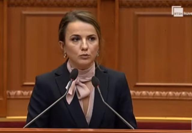 Rudina Hajdari: Basha shpall àrmiq bashkëpunëtorët,