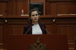 Besa Shahini, ministrja profitabile