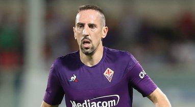 I grabitën shtëpinë, Frank Ribery qetëson tifozët e