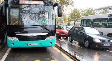 Të hënën mbyllet transporti urban? Shoqatat: Nuk kemi naftë!