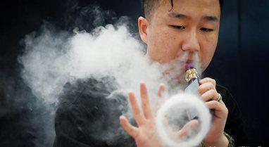 Studimi/  Kush përdor cigaret elektronike është pesë