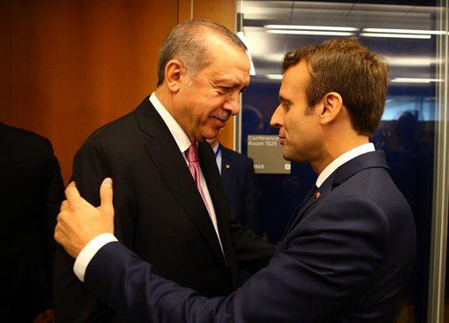 Franca nxjerr ushtrinë dhe i del krah Greqisë, Macron mesazh të