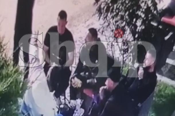 Momenti i vrasjes së 27-vjeçarit në Tiranë, autori i