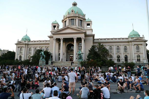 Ambasada e SHBA në Beograd: Të shqetësuar nga zhvillimet e