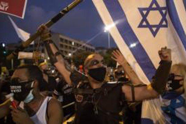 Menaxhimi i koronavirusit, shpërthejnë protestat në Izrael