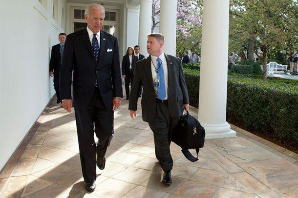 Gënjeu për gjendjen shëndetësore të Trumpit, Biden heq