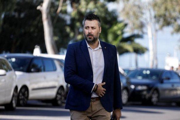 Deputeti grek rrëfen tmerrin që po përjeton familja nga COVID: Po