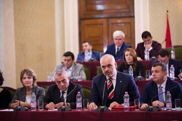 38 emra që ikin nga PS/ Nga Ditmir Bushati, Fatmir Xhafaj, Sadri Abazi e