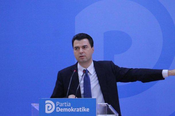 Partia Demokratike dorëzon listat jashtë afatit zyrtar, Basha i pari