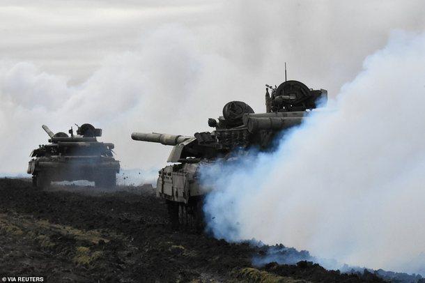 Shtohen tensionet, Rusia arreston diplomatin ukrainas