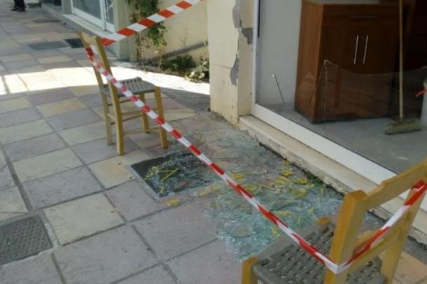 Nga çarjet e mureve te xhamat e thyer, momenti kur tërmeti trondit