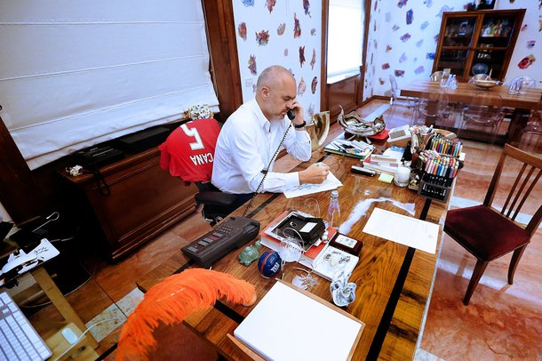 Rama bën dryshime në qeveri/ Emëron zv/ministren e re të