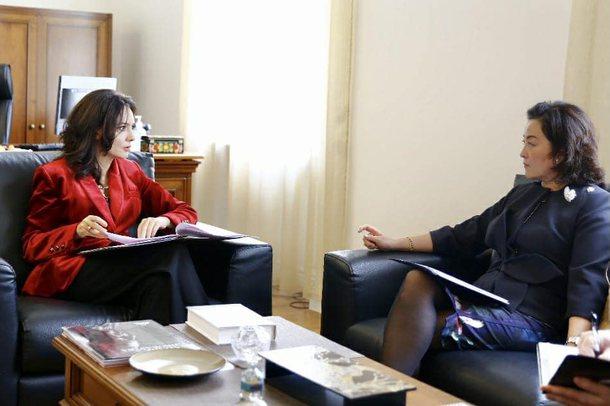 """FOTOT/ Shqipëria pjesë në """"Samitin për Demokraci"""","""
