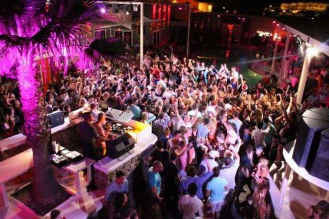 Ishujt e VIP-ave në Greqi kthehen në këmbanë alarmi/