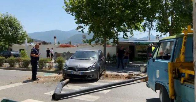 Aksident në qendër të Elbasanit! Përpaslen dy makina,