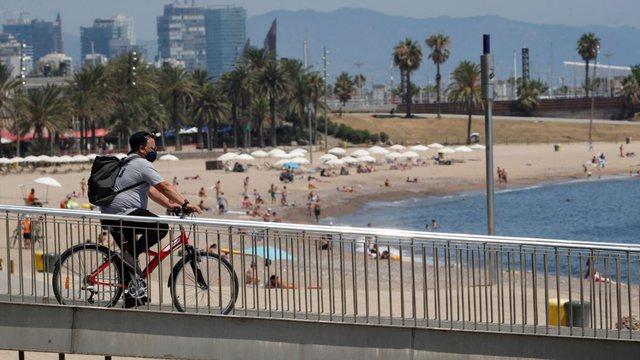 COVID-19, frika për prekjen masive të të rinjve si Gripi Spanjoll