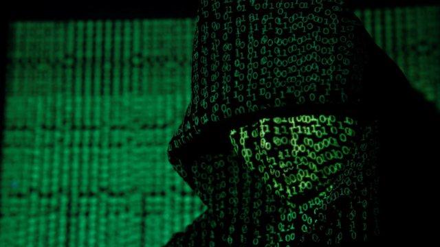 Punonte nga burgu në SHBA/ Hakeri shqiptar që u mor me Bitcoin,