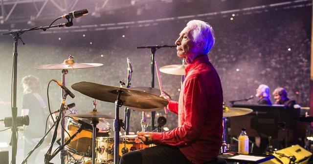 Rolling Stones humbet bateristin legjendar / Ndërron jetë Charlie