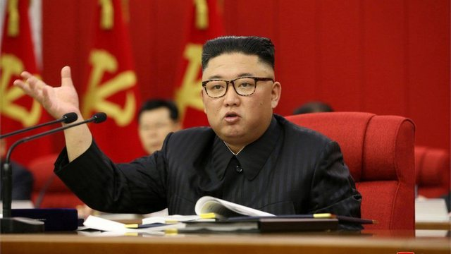 """""""Parajsa mbi Tokë"""", Kim Jong-un paditet për mashtrim"""
