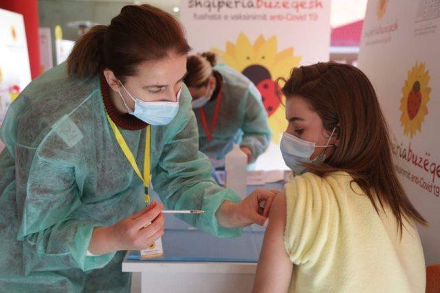 40 mijë mësues janë vaksinuar, sa prej tyre kanë marrë