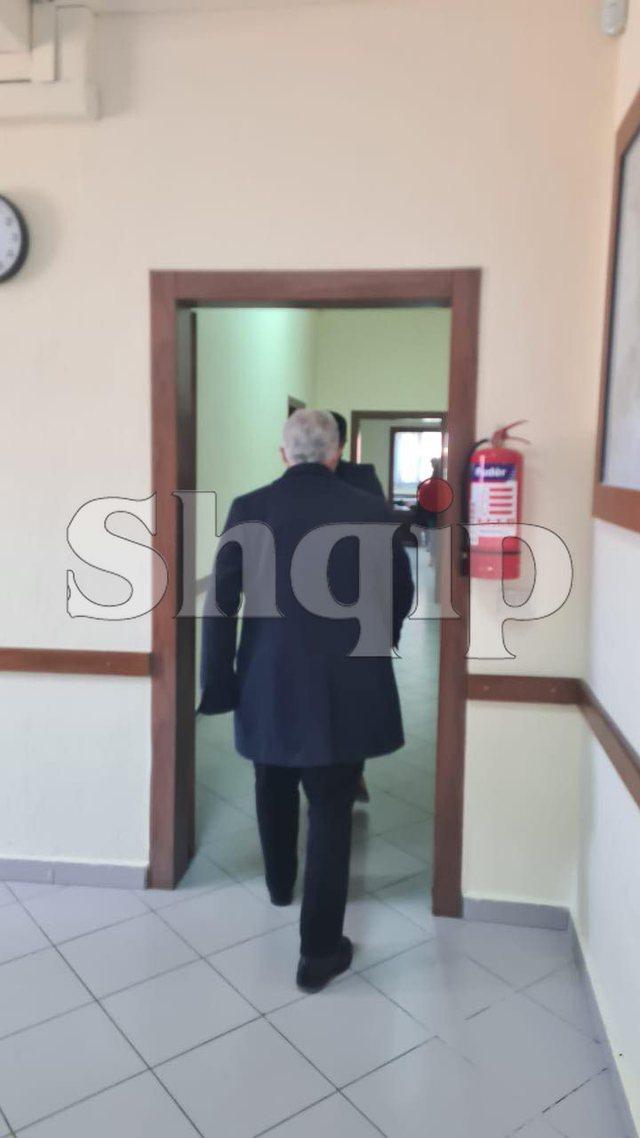 Babai i Klodian Rashës shkon të përballet në gjyq me
