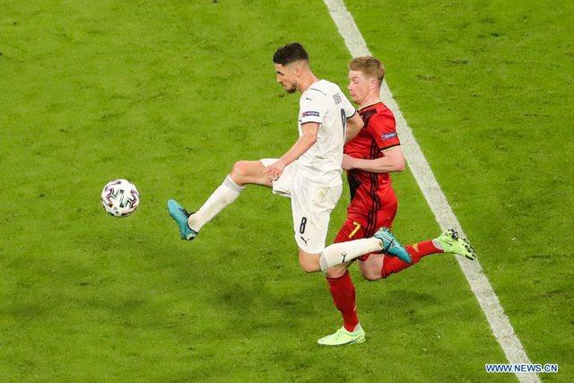 Italia fiton ndeshjen e krenarisë / Mancini thyen një tjetër