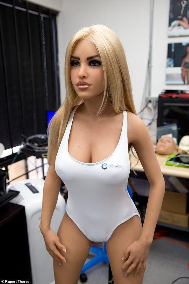 Dalin në treg robotet e seksit që do