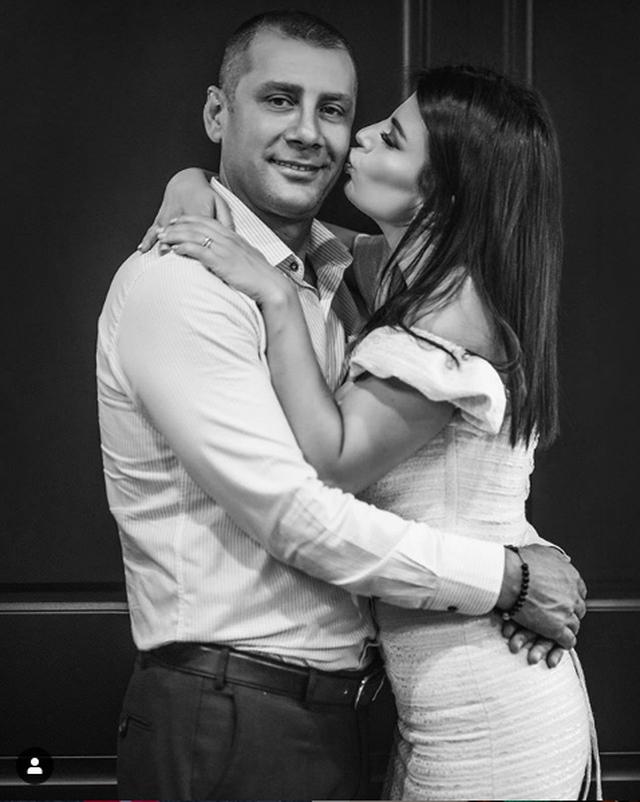 Mark Frroku i bën surprizën romantike, por ja si e uruan vajzat e