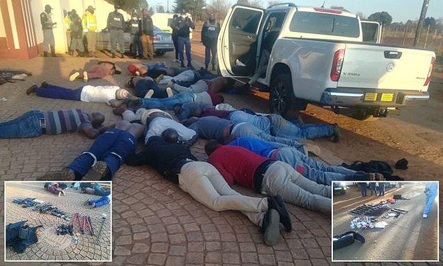 30 të armatosur shkaktojnë kasaphanë në një Kishë