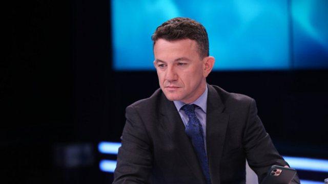 Humbi babanë prej Covid-19/ Gazetari i infektuar zbulon vendimin që ka