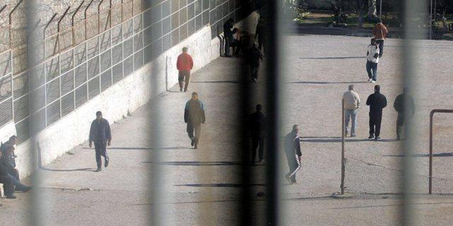 Të dhënat e raportit/ Në hetim lejet e të burgosurve dhe