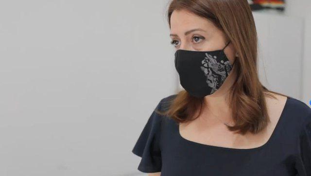 Merret vendimi/ Bëhet e detyrueshme mbajtja e maskave në ambientet e