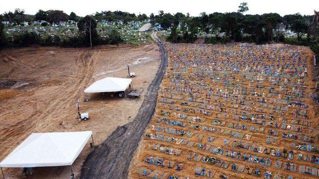 Me FOTO/ Nga varret masive tek mbarimi i arkivolëve, horrori me