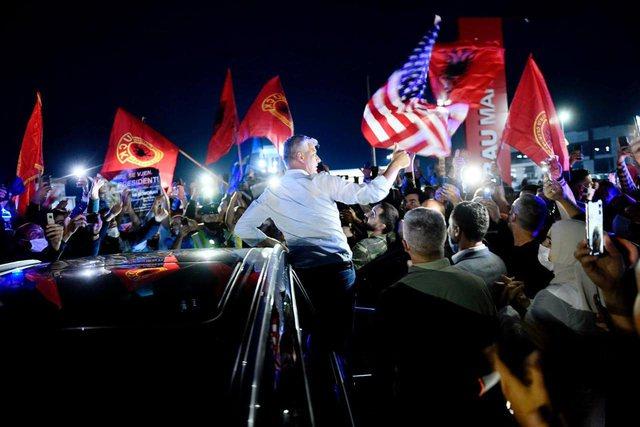 Rikthimi i Hashim Thaçit nga Haga provokon një ndryshim politik