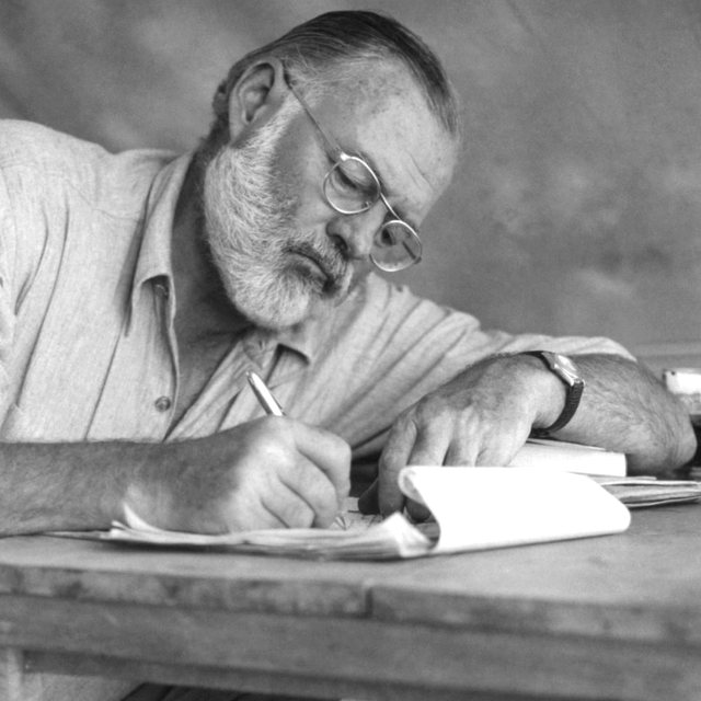 Homazh në ditëlindjen e Ernest Hemingway, e kujtojmë me një