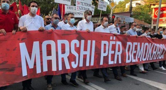 Përçahen partitë shqiptare, nisin protestat për votën