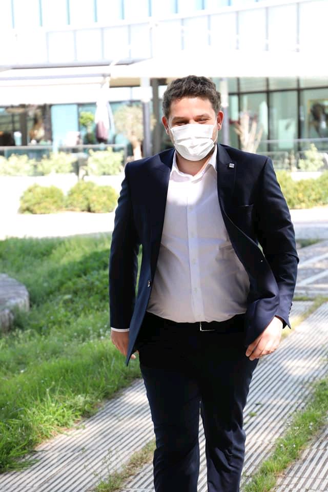 Shpërthen Covid në Parlament, infektohen edhe 2 deputetë të