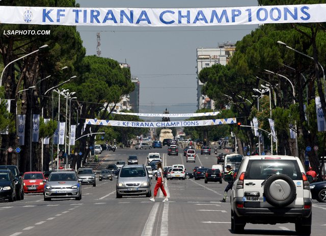 """""""Tirana Kampion"""",  kryeqyteti vishet bardheblu për festën"""