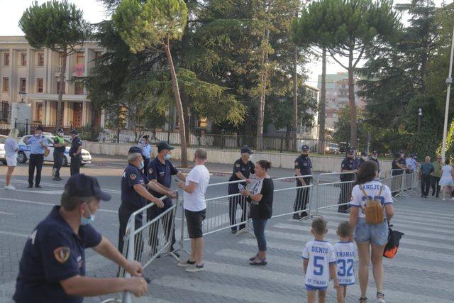 Paralajmëruan tifozët/ Tirana në prag të ngritjes së