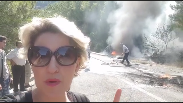 Merr flakë makina ku udhëtonte Ermal Mamaqi (Video)