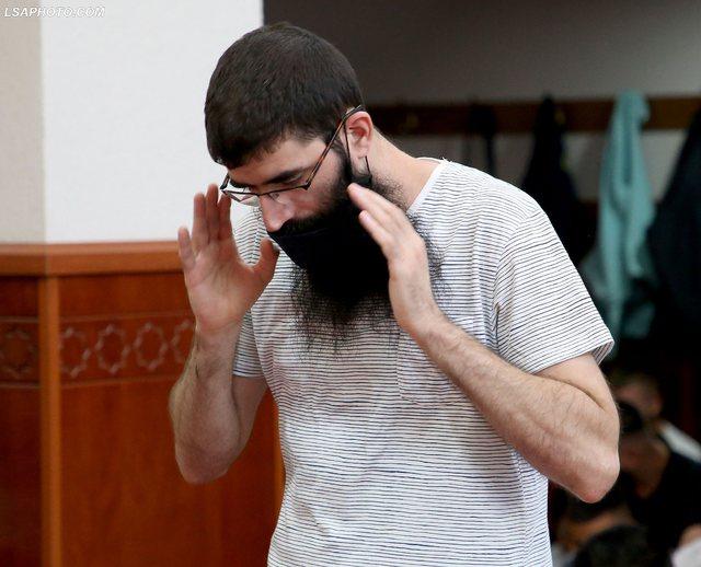 Besimtarët myslimanë falin Kurban Bajramin (FOTO)