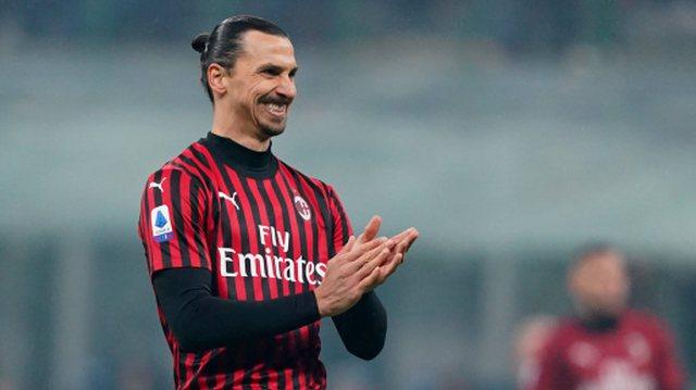 Kuq e zi deri në fund, Ibrahimovic nënshkruan me Milanin deri në