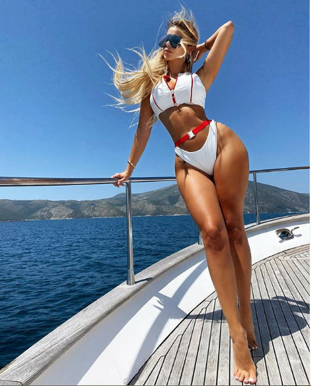 """""""Erdhi vapa me gushtin"""", Luana Vjollca provokon fansat me foton me"""