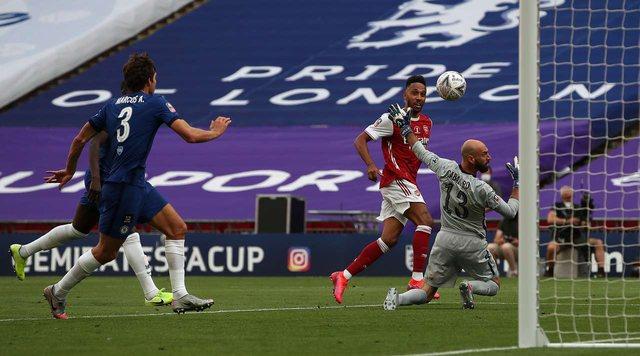 Kupa e Anglisë/ Arsenal fiton me përmbysje derbin londinez