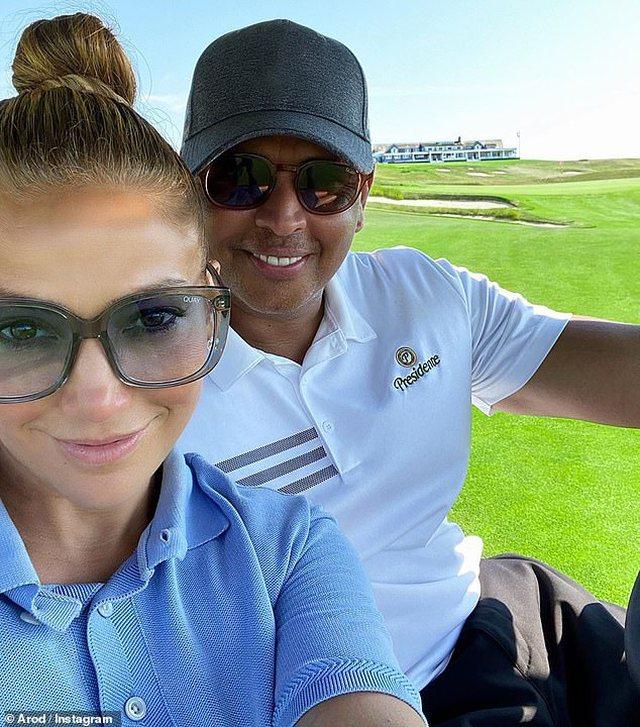 Do habiteni, 51-vjeçarja Jennifer Lopez tregon fytyrën pa make-up