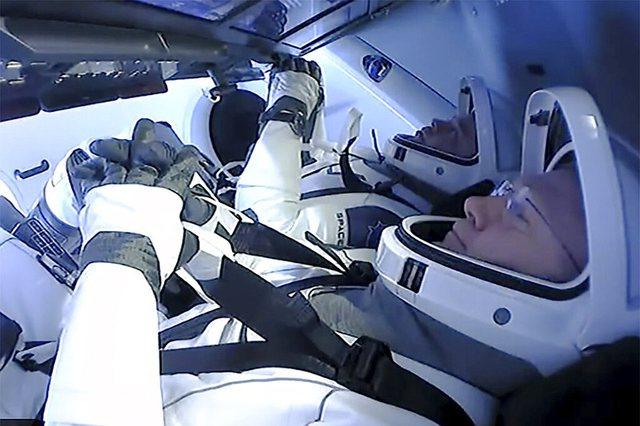 Pas dy muajsh në orbitë, astronautët e NASA-s kthehen në