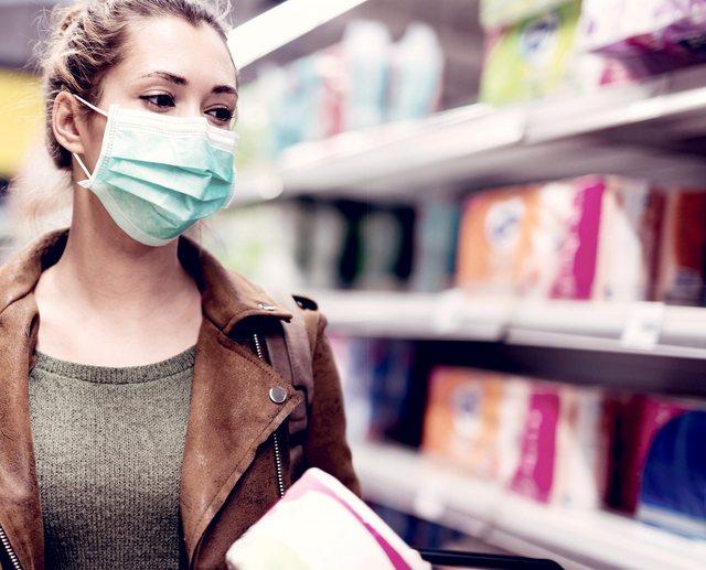 Mjekët në alarm: Popullatanuk i përdor si duhet maskat,
