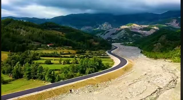 Rama nxjerr pamjet, ja si duket 'Rruga e Arbrit' (Video)
