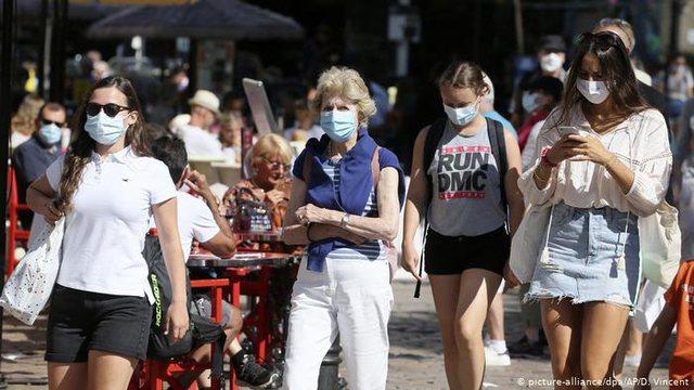 Frika e një vale të dytë e Covid, shtetet e BE vendosin maskat me