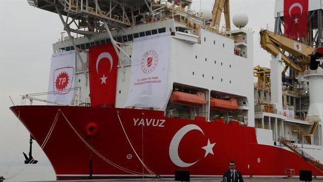 Turqia çon anijet e armatosura në Egje, Greqia mbledh
